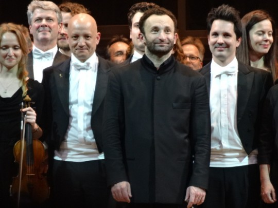 Kirill Petrenko au milieu des musiciens le 29 mars 2015